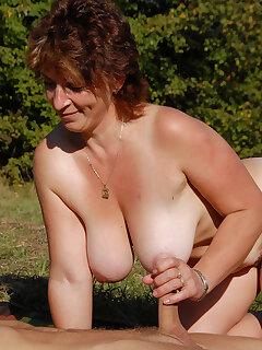 Outdoor Mature Pics