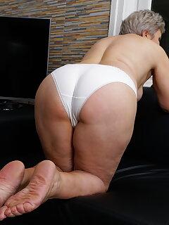 Panty Mature Pics